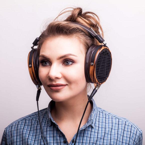 Мультимедийный Диапроектор магазин аудио техники Семейного Кинозала Участок